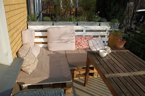 outdoor sofa aus europaletten stylespion. Black Bedroom Furniture Sets. Home Design Ideas